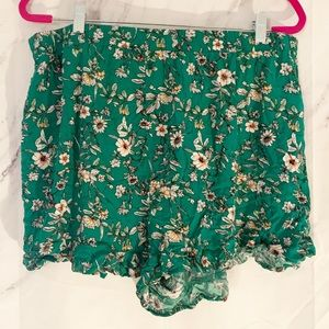 Forever 21 Green floral shorts